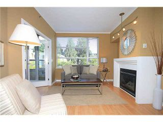"""Photo 2: 308 2655 CRANBERRY Drive in Vancouver: Kitsilano Condo for sale in """"NEW YORKER"""" (Vancouver West)  : MLS®# V1017086"""
