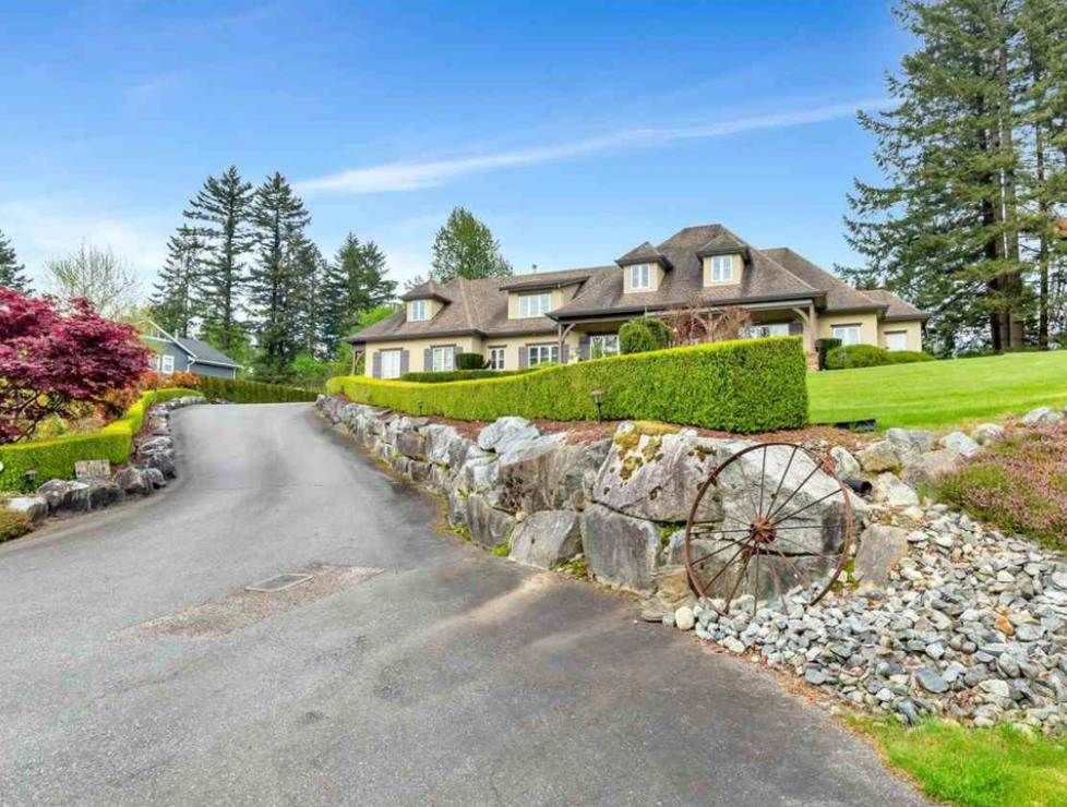 Main Photo: 9228 BODNER Terrace in Mission: Mission BC House for sale : MLS®# R2589755