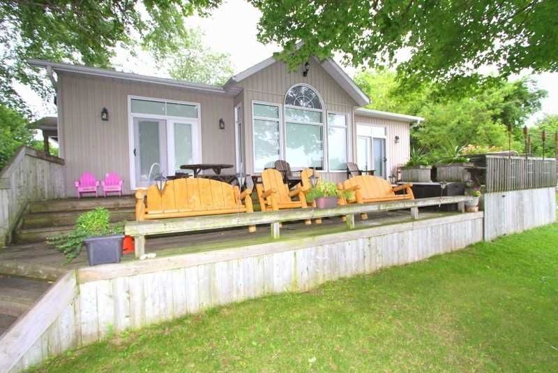 Main Photo: 9 Redcap Beach Lane in Kawartha Lakes: Rural Carden House (Bungalow) for sale : MLS®# X4399326
