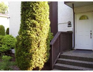 """Photo 1: 5142 HASTINGS Street in Burnaby: Capitol Hill BN Townhouse for sale in """"MAYWOOD"""" (Burnaby North)  : MLS®# V784480"""