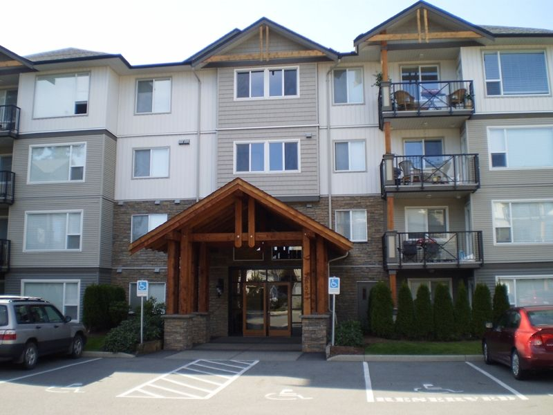 """Main Photo: 202 2955 DIAMOND Crescent in Abbotsford: Abbotsford West Condo for sale in """"Westwood"""" : MLS®# F2923442"""