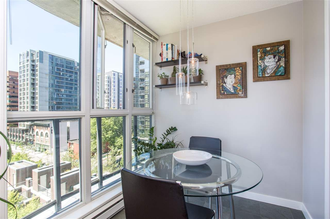 """Photo 6: Photos: 1008 1068 HORNBY Street in Vancouver: Downtown VW Condo for sale in """"The Canadian"""" (Vancouver West)  : MLS®# R2389948"""