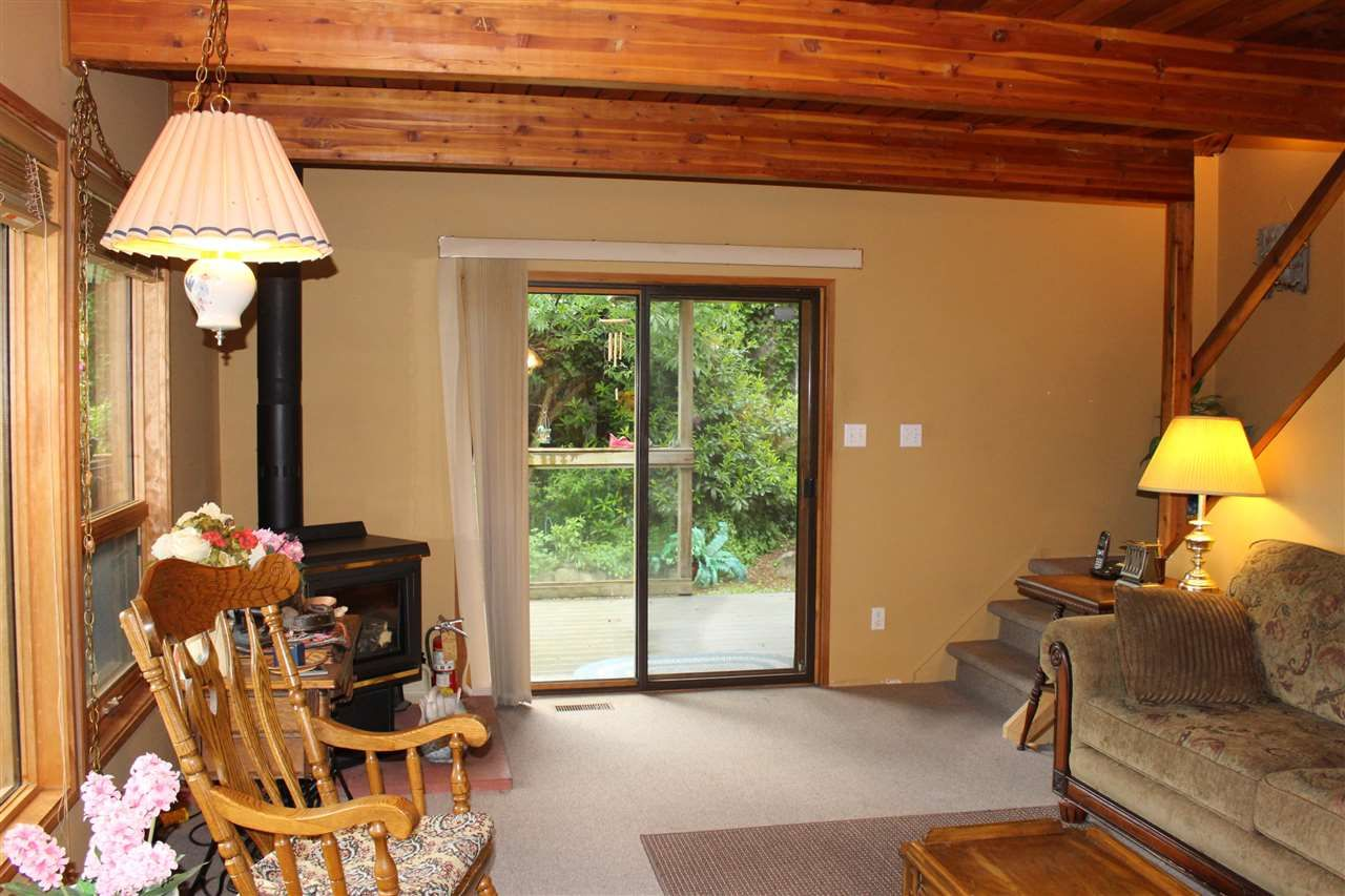 """Photo 11: Photos: 7628 EUREKA Place in Halfmoon Bay: Halfmn Bay Secret Cv Redroofs House for sale in """"WELCOME WOODS"""" (Sunshine Coast)  : MLS®# R2172913"""