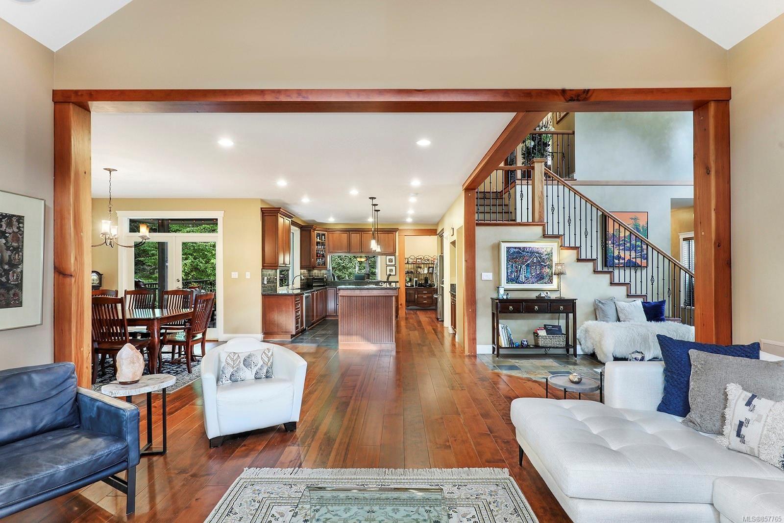 Photo 11: Photos: 1516 Highridge Dr in : CV Comox (Town of) House for sale (Comox Valley)  : MLS®# 857765