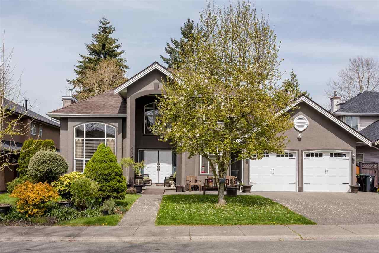 Main Photo: 22345 47A Avenue in Langley: Murrayville House for sale : MLS®# R2278404