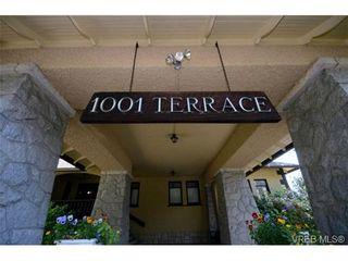 Photo 3: 2 1001 Terrace Ave in VICTORIA: Vi Rockland Condo for sale (Victoria)  : MLS®# 732782