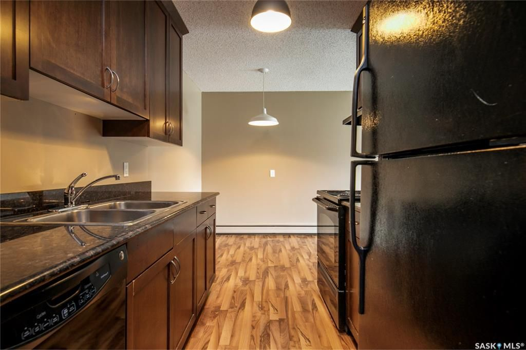 Main Photo: 218 2233 St Henry Avenue in Saskatoon: Exhibition Residential for sale : MLS®# SK844675