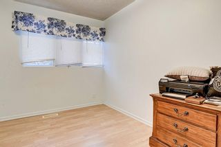 Photo 11: 6616 LAW Drive SW in Calgary: Lakeview Detached for sale : MLS®# C4223804