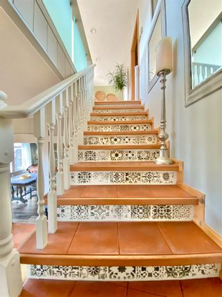 Photo 9: 5881 DEERHORN Drive in Sechelt: Sechelt District House for sale (Sunshine Coast)  : MLS®# R2576300