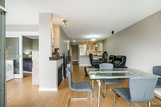 """Photo 11: 808 1 RENAISSANCE Square in New Westminster: Quay Condo for sale in """"THE 'Q'"""" : MLS®# R2521364"""
