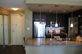 """Photo 7: 505 2959 GLEN Drive in Coquitlam: North Coquitlam Condo for sale in """"THE PARC"""" : MLS®# R2102710"""