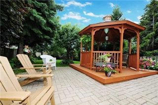 Photo 1: 7 Winner's Circle in Whitby: Blue Grass Meadows House (2-Storey) for sale : MLS®# E3284089