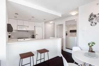 Photo 10: 1808 939 EXPO BOULEVARD in Vancouver: Yaletown Condo for sale (Vancouver West)  : MLS®# R2603563