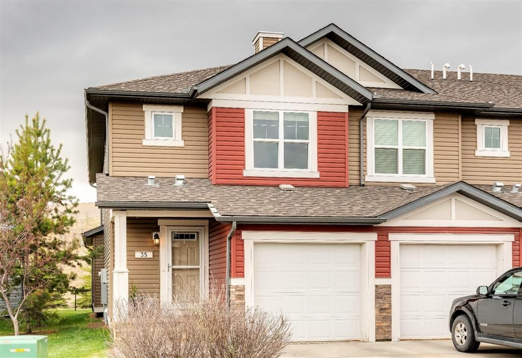 Main Photo: 35 CHAPARRAL VALLEY Gardens SE in Calgary: Chaparral Row/Townhouse for sale : MLS®# A1103518
