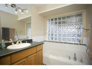 """Photo 18: 31452 JEAN Court in Abbotsford: Abbotsford West House for sale in """"Bedford Landing"""" : MLS®# R2012807"""