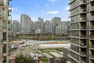 "Photo 8: 1004 1887 CROWE Street in Vancouver: False Creek Condo for sale in ""Pinnacle Living"" (Vancouver West)  : MLS®# R2512941"