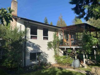 Photo 2: 521 HOUGH Road in Gibsons: Gibsons & Area House for sale (Sunshine Coast)  : MLS®# R2507568