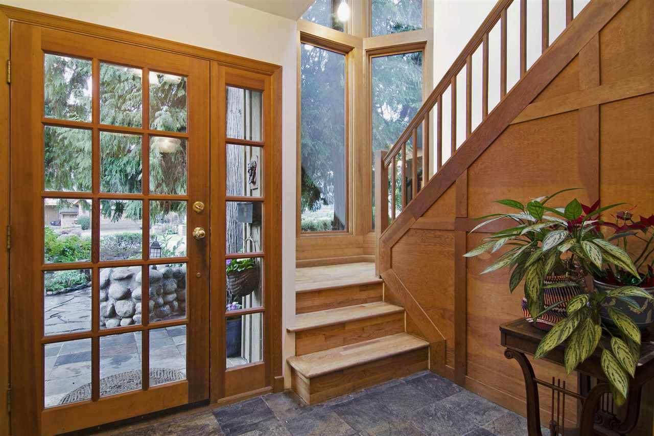 Photo 3: Photos: 1190 SINCLAIR Street in West Vancouver: Ambleside House for sale : MLS®# R2027738