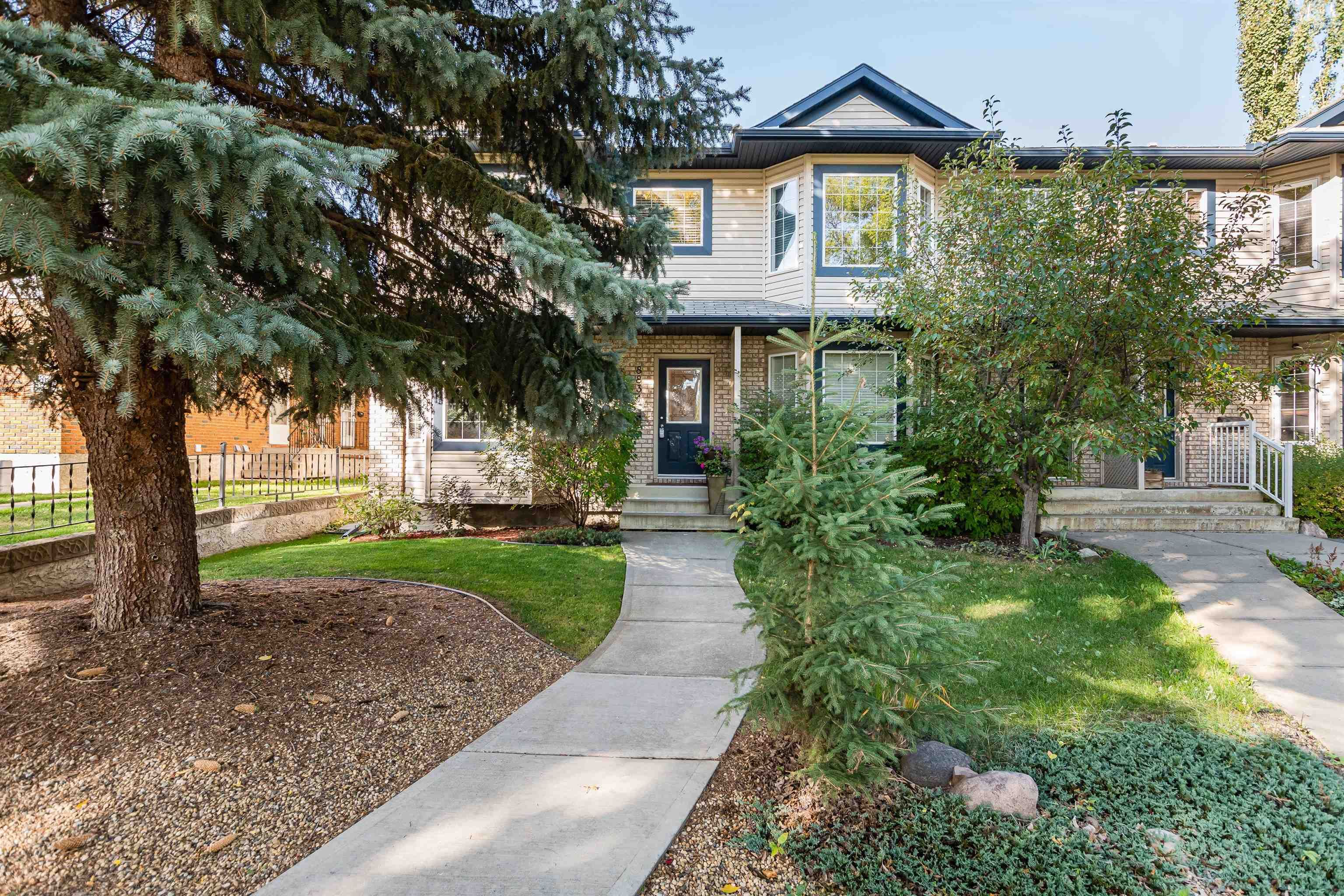Main Photo: 8834 94 Street in Edmonton: Zone 18 House Half Duplex for sale : MLS®# E4264201
