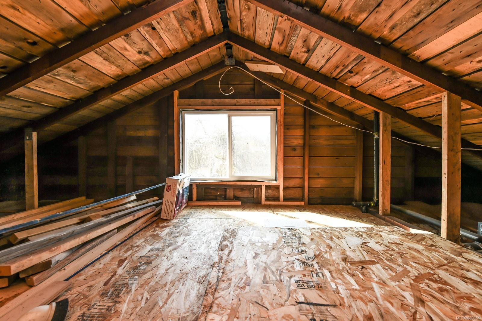 Photo 15: Photos: 4712 Cumberland Rd in : CV Cumberland House for sale (Comox Valley)  : MLS®# 869654