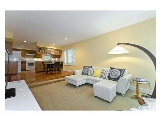 Photo 6: 5527 HUCKLEBERRY LN in North Vancouver: Grouse Woods House for sale : MLS®# V910533
