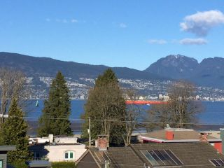 "Photo 1: 4546 BELMONT Avenue in Vancouver: Point Grey House for sale in ""Point Grey"" (Vancouver West)  : MLS®# V1118801"