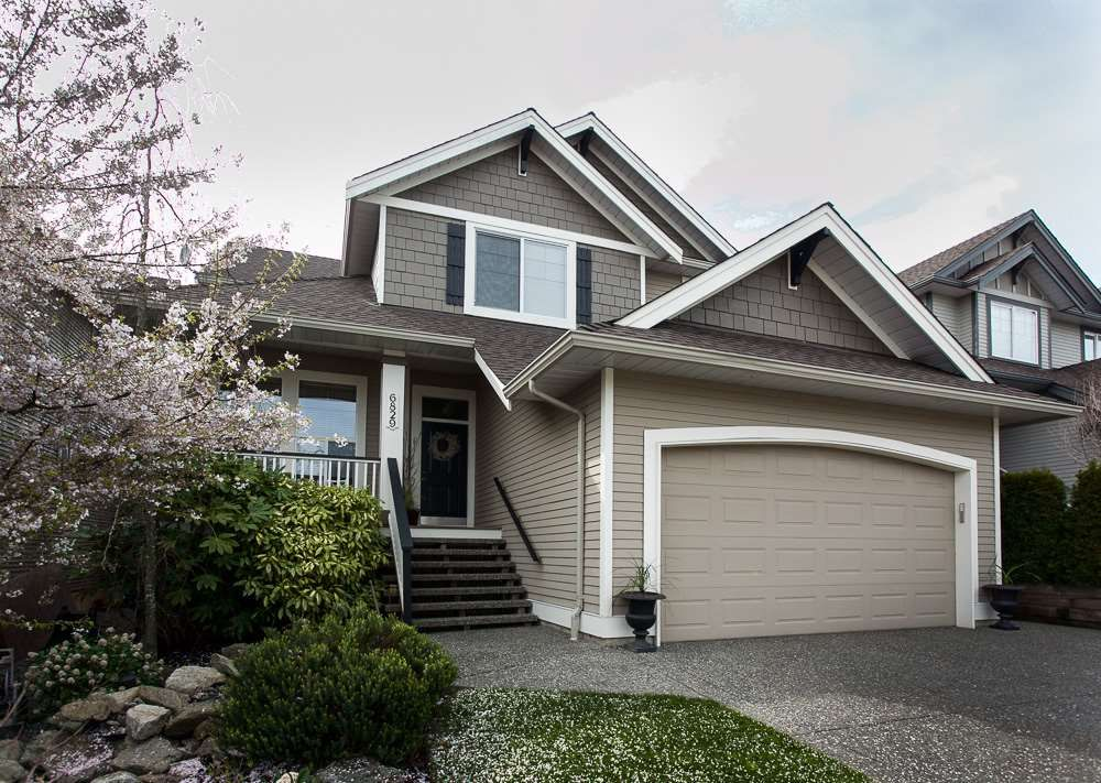 "Main Photo: 6829 196A Street in Langley: Willoughby Heights House for sale in ""Camden Park"" : MLS®# R2155146"