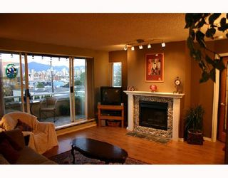 """Photo 2: 204 1870 W 6TH Avenue in Vancouver: Kitsilano Condo for sale in """"HERITAGE AT CYPRESS"""" (Vancouver West)  : MLS®# V667714"""