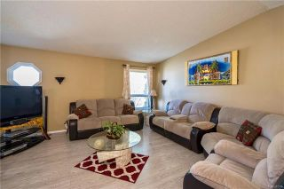 Photo 6: 2 Carriage House Road in Winnipeg: River Park South Residential for sale (2F)  : MLS®# 1810823