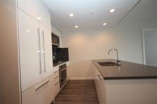 "Photo 14: 1706 3100 WINDSOR Gate in Coquitlam: New Horizons Condo for sale in ""The Lloyd"" : MLS®# R2494861"