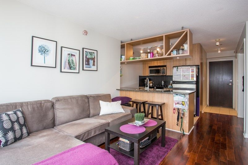 """Main Photo: 2006 1010 RICHARDS Street in Vancouver: Yaletown Condo for sale in """"The Gallery"""" (Vancouver West)  : MLS®# R2252672"""