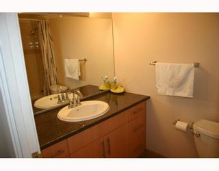 """Photo 8: 405 320 ROYAL Avenue in New_Westminster: Downtown NW Condo for sale in """"THE PEPPERTREE"""" (New Westminster)  : MLS®# V765945"""