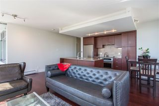 """Photo 2: 304 158 W 13TH Street in North Vancouver: Central Lonsdale Condo for sale in """"Vista Place"""" : MLS®# R2304505"""