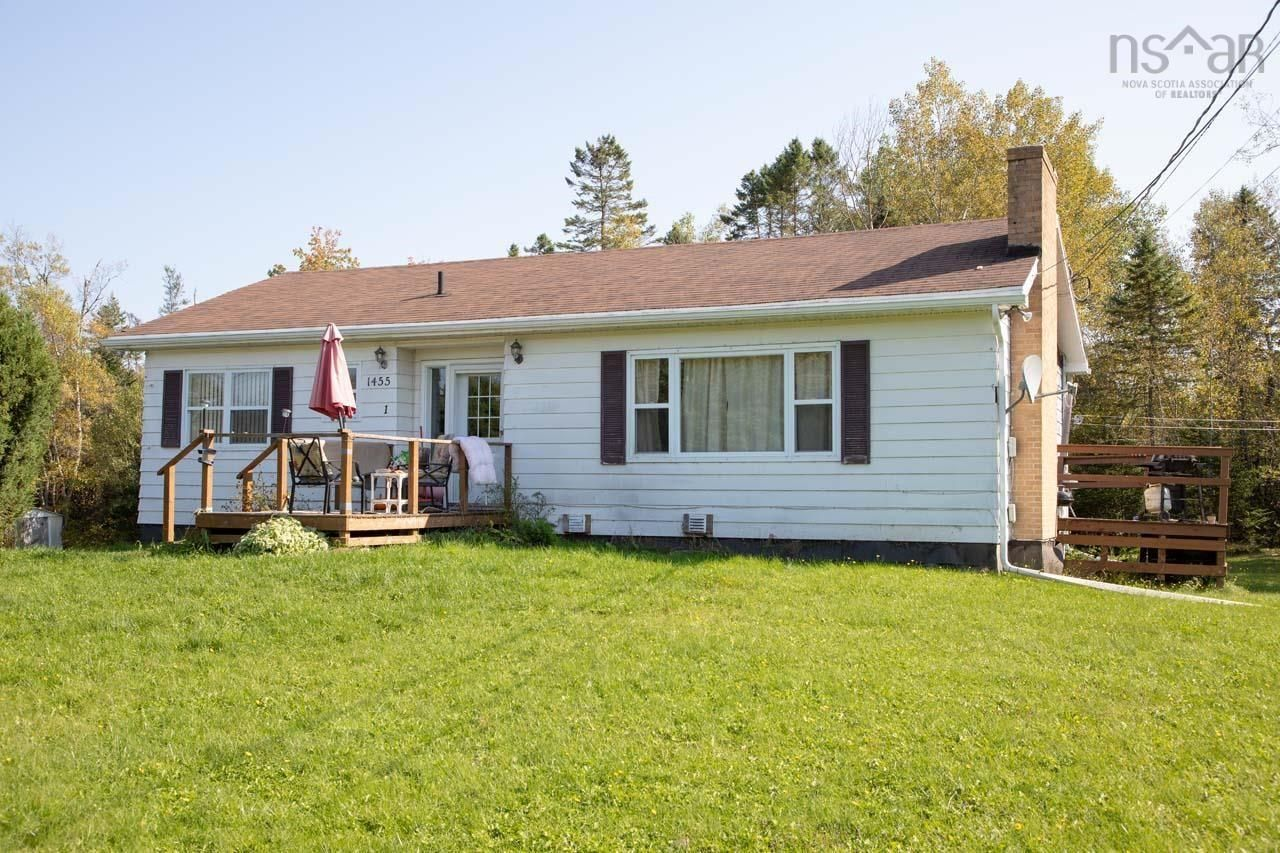 Main Photo: 1455 Highway 2 in Lantz: 105-East Hants/Colchester West Multi-Family for sale (Halifax-Dartmouth)  : MLS®# 202125424