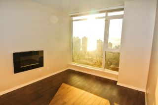 """Photo 7: 2707 1351 CONTINENTAL Street in Vancouver: Downtown VW Condo for sale in """"Maddox"""" (Vancouver West)  : MLS®# R2569520"""