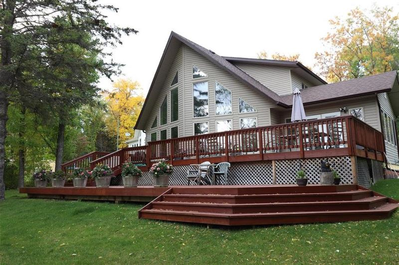 FEATURED LISTING: 55 Lawrence Boulevard Beaconia