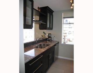 Photo 2: 403 1436 Harwood Street in Vancouver: Condo for sale : MLS®# V747284