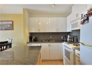 """Photo 2: 1505 155 W 1 Street in North Vancouver: Lower Lonsdale Condo for sale in """"TIME"""" : MLS®# V891188"""