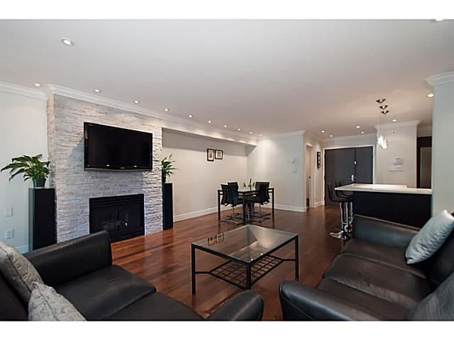 """Main Photo: 108 1823 W 7TH Avenue in Vancouver: Kitsilano Townhouse for sale in """"THE CARNEGIE"""" (Vancouver West)  : MLS®# V1073495"""