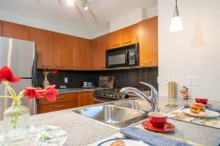 """Photo 17: 306 4333 CENTRAL Boulevard in Burnaby: Metrotown Condo for sale in """"PRESIDIA"""" (Burnaby South)  : MLS®# R2480001"""