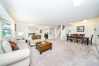 """Photo 8: 31 101 PARKSIDE Drive in Port Moody: Heritage Mountain Townhouse for sale in """"Treetops"""" : MLS®# R2423114"""