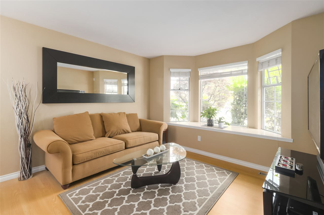 """Photo 4: Photos: 10 11500 NO. 1 Road in Richmond: Steveston South Townhouse for sale in """"MAGNOLIA COURT"""" : MLS®# R2493915"""