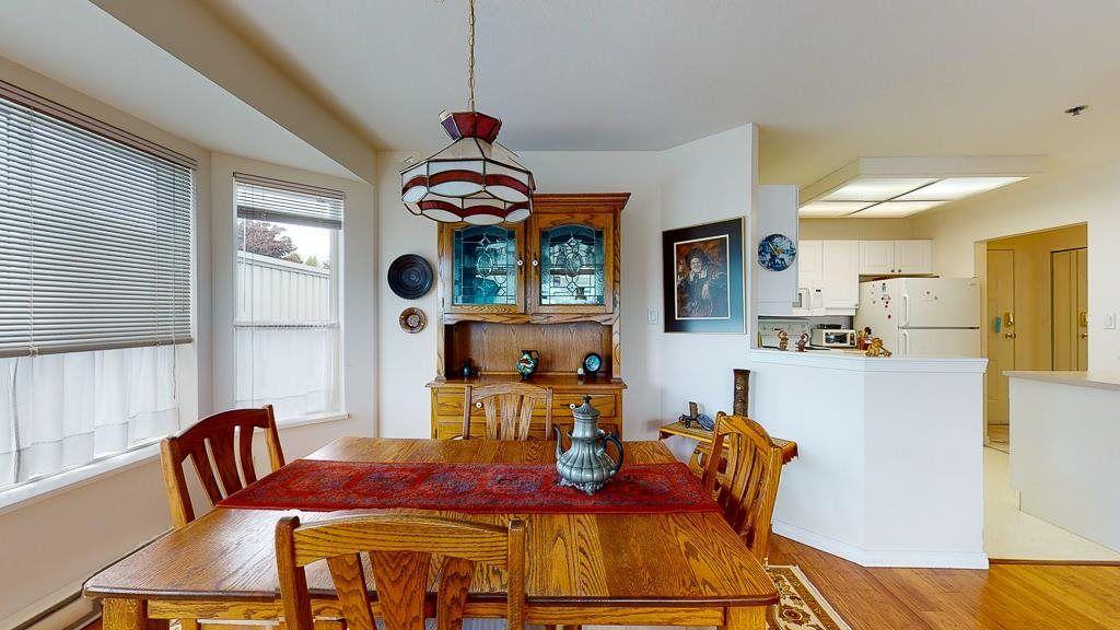 "Photo 9: Photos: 308 5711 MERMAID Street in Sechelt: Sechelt District Condo for sale in ""MERMAID BUILDING"" (Sunshine Coast)  : MLS®# R2593663"