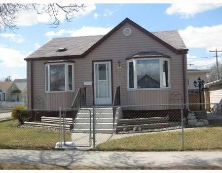 Main Photo: 180 WORTH ST: Residential for sale (Weston)  : MLS®# 2906732