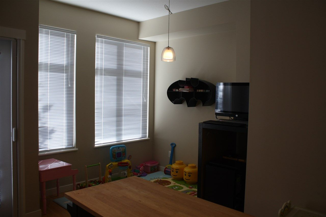 """Photo 6: Photos: 71 9800 ODLIN Road in Richmond: West Cambie Townhouse for sale in """"HENNESSY GARDEN"""" : MLS®# R2004610"""