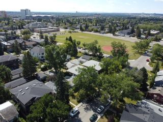 Photo 4: 907 23 Avenue NW in Calgary: Mount Pleasant Semi Detached for sale : MLS®# A1141510
