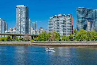 """Photo 30: 1702 1708 COLUMBIA Street in Vancouver: Mount Pleasant VW Condo for sale in """"Wall Centre False Creek"""" (Vancouver West)  : MLS®# R2580995"""