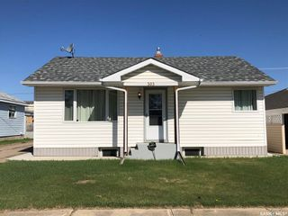 Photo 1: 303 Park Drive in Nipawin: Residential for sale : MLS®# SK855428