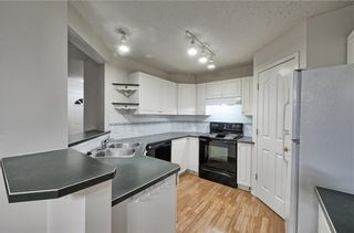Photo 3: 1346 SOMERSIDE Drive SW in Calgary: Somerset House for sale : MLS®# C4171592
