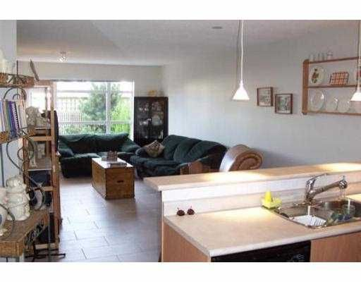 """Photo 3: Photos: 105 3148 ST JOHNS ST in Port Moody: Port Moody Centre Condo for sale in """"SONRISA"""" : MLS®# V542735"""